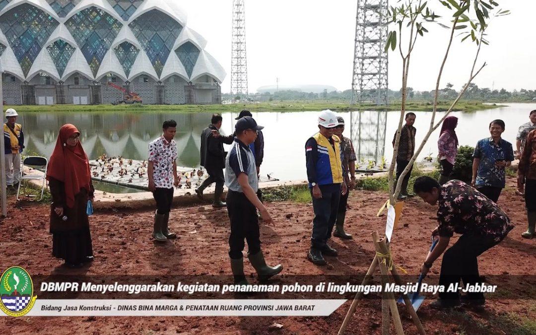 Penanaman Pohon di Lingkungan Masjid Al Jabbar